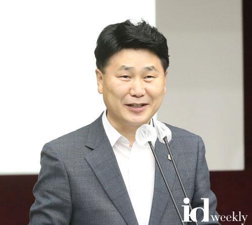 200604 김원기 부의장, 더불어민주당 초선의원 워크숍 참석 (2) (1).jpg